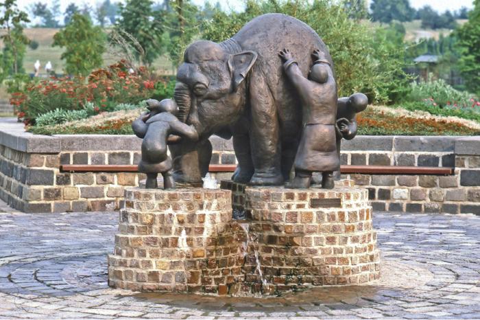 Die Blinden Und Der Elefant Wahrheit Falsche Nachrichten Und Wieso